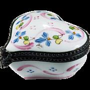 Beautiful Peint Main Flowers Limoges France Heart Trinket Box