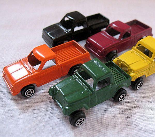 Vintage Collectible (13) Tootsie Metal Toys Circa 1970s Excellent Condition