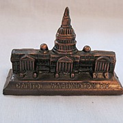 Vintage Collectible Metal Souvenir Paperweight USA Capital In Washington D.C. 1950-60s Excelle