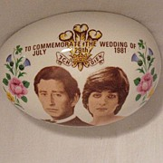 SOLD Vintage Collectible Commemorative Egg Shaped Trinket Box Prince Charles & Lady Diana Spen