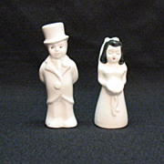 SALE Vintage Ceramic Bride & Groom S & P Shakers by Hollywood 1950s Excellent Condition