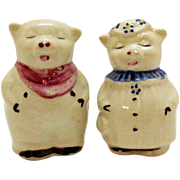 Vintage Pair of Shawnee Small Pig Shakers Smiley & Winnie 1940-50s Very Good Condition
