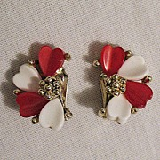SALE 50% OFF~Fun Vintage Thermoset Heart Clip Earrings~Mint