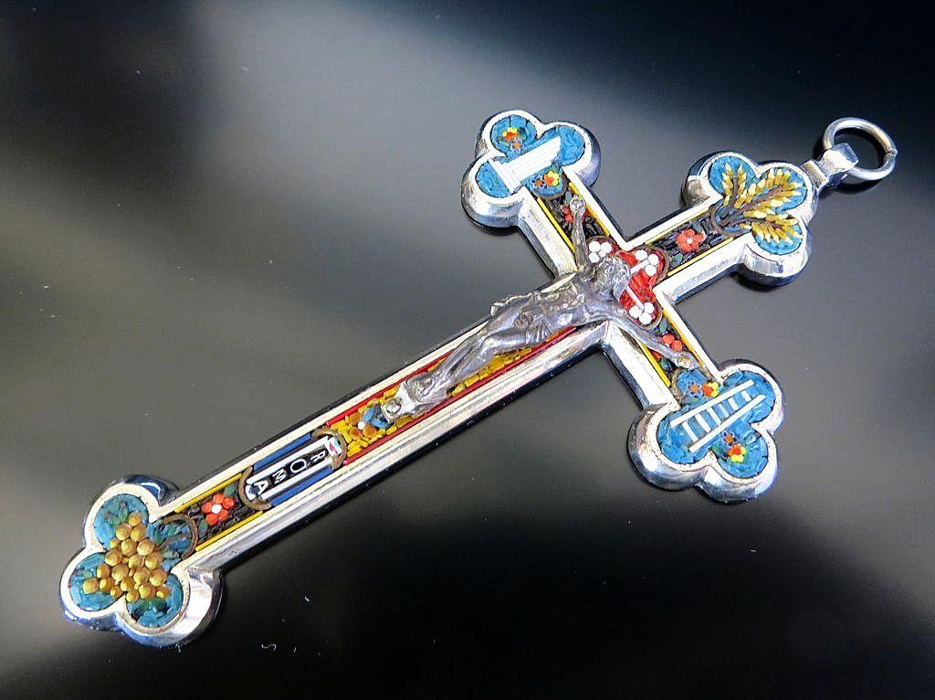 Grand Touring Vintage Micro Mosaic Cross