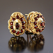 Lady's Vintage 18K Garnet Earrings