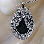 Lady's Vintage 14K Onyx & Diamond Pendant With 14K Chain