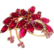 Lovely Two-Tone Red Marquis Leaf Design Pin