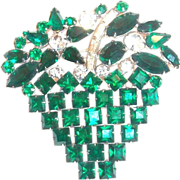 Lovely Emerald Green & Clear Rhinestone Basket & Flowers Pin
