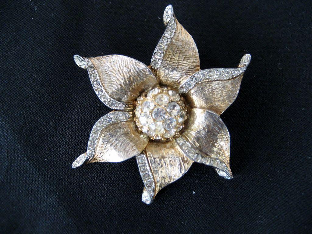 Les Bernard Flower Shaped Goldtone and Rhinestone Brooch