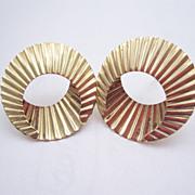 SALE 14K yellow Gold hoop Earrings, designer signed spiral 2.1g