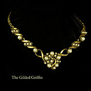 Vintage 1970s Necklace in Exquisite Condition