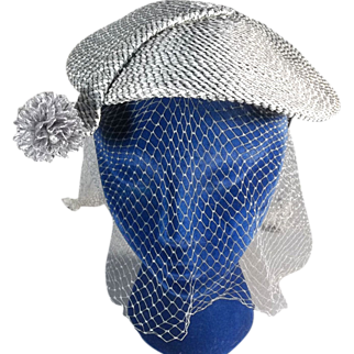 Eye Catching Close Fitting Vintage Gray Straw 40s-50s Hat with Veil