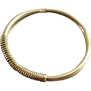 18K Gold Ring - 750 Italian Gold - Unusual Thin Band With Wire Wrap AR 59