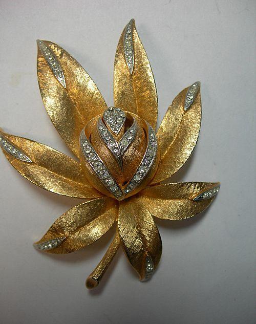 Gorgeous Dimensional Corocraft Flower Brooch