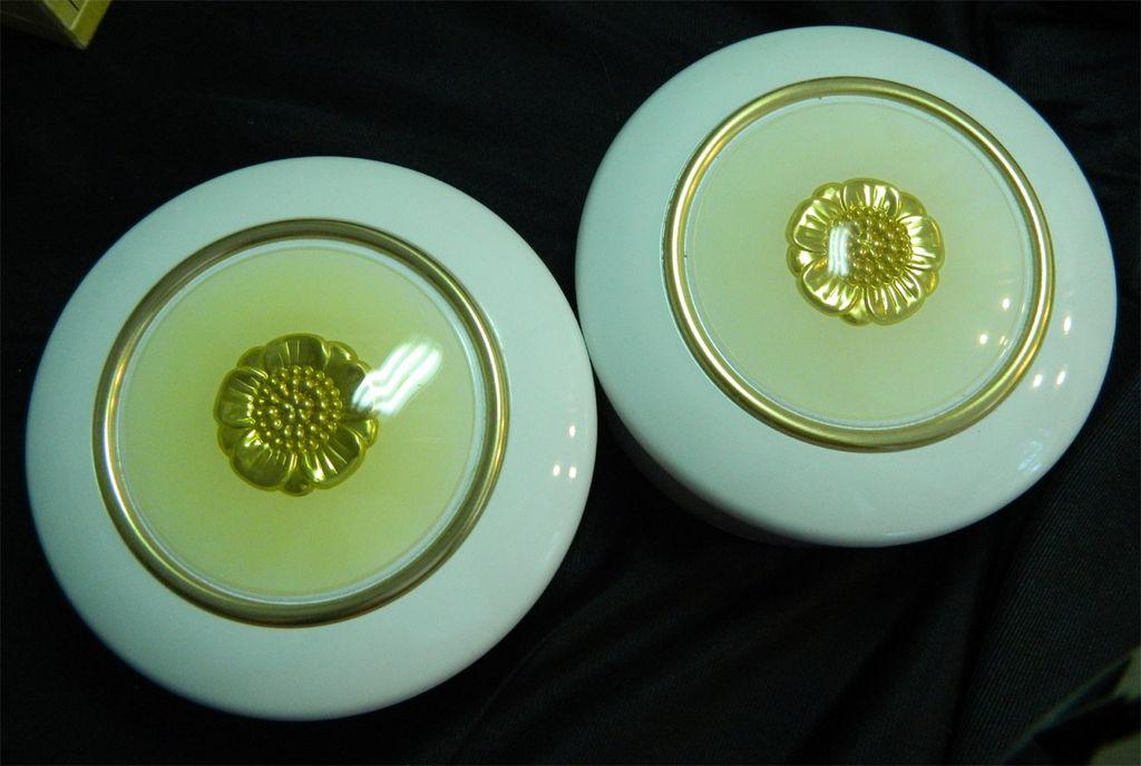 2 Estee Lauder Youth Dew Body Powder - Sealed 3 Ounces Each