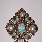 """Sarah Coventry Brooch """"Remembrance"""" Book Piece"""