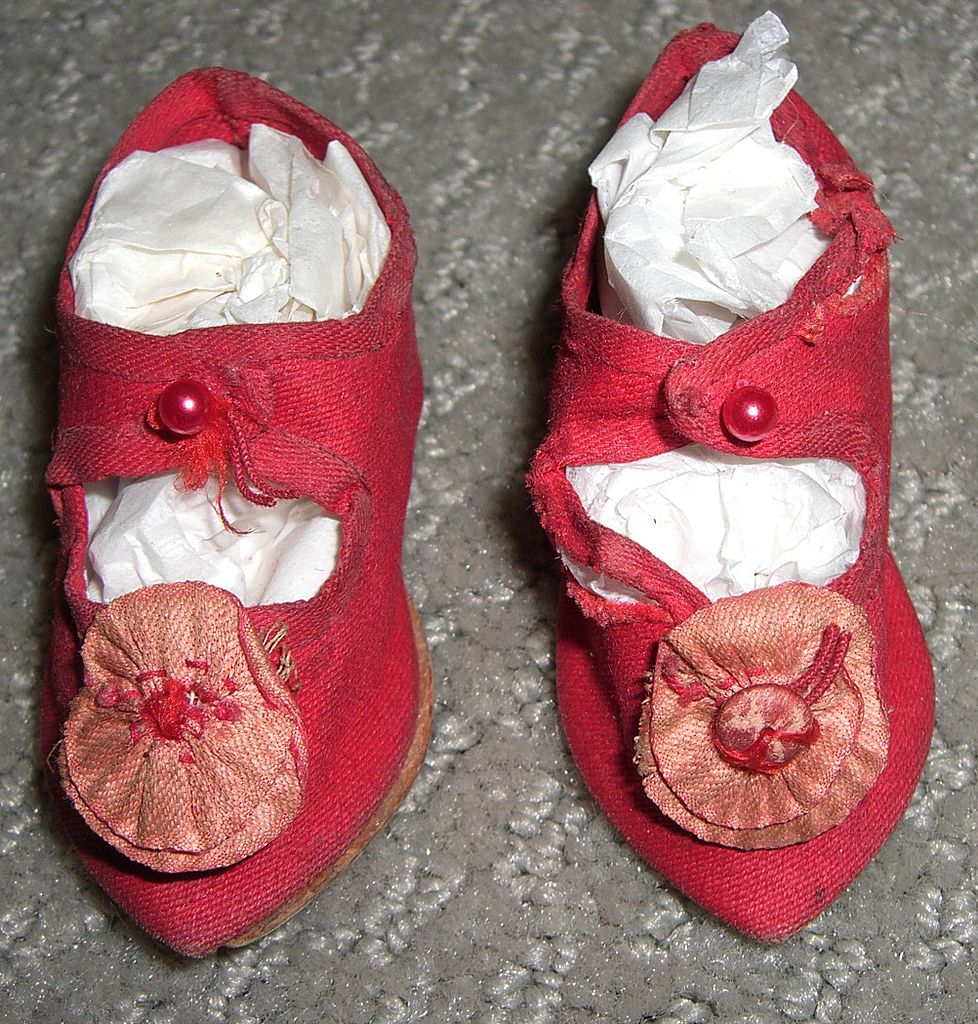 """2 3/4"""" Antique Red Silk Doll Shoes with Rosettes"""