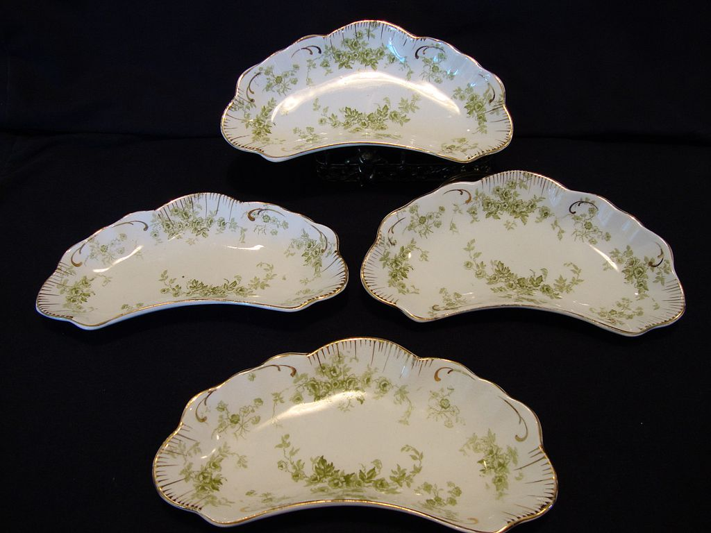 "(4) Very Nice Semi-Porcelain Side Dishes –Green Flowers ""Windermere"" Pattern~ Alfred Meakin – England 1891"