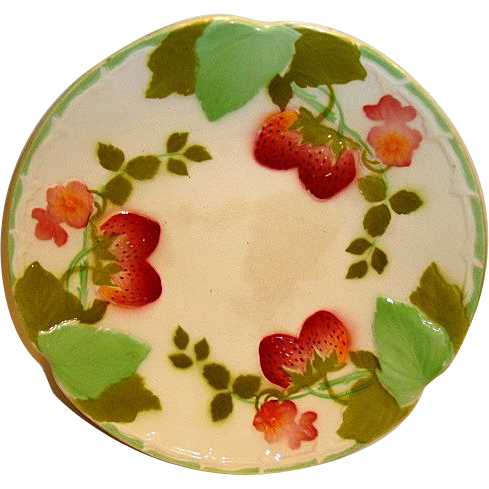 """Wonderful French Majolica 8 ½"""" Plate with Red Ripe Strawberries ~ Boulenger Choisy-le-Roi, France 1900's"""