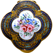 Compact French Enamel with Swan Puff Perfect