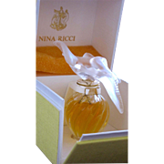 SALE Boxed Lalique Perfume Bottle for Nina Ricci Perfect Condition Unopened