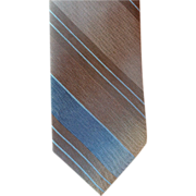 Vintage Late 1960s Narrow Necktie Shark Skin Weave Smart Stripe