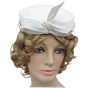 SALE 1940s - 1950s Vintage White Felt Cocktail Hat with Rhinestone Flourish