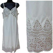 SALE Vintage Silky White Nylon Slip with Cathedral Lace Size Extra Large Bust 38 Suavette