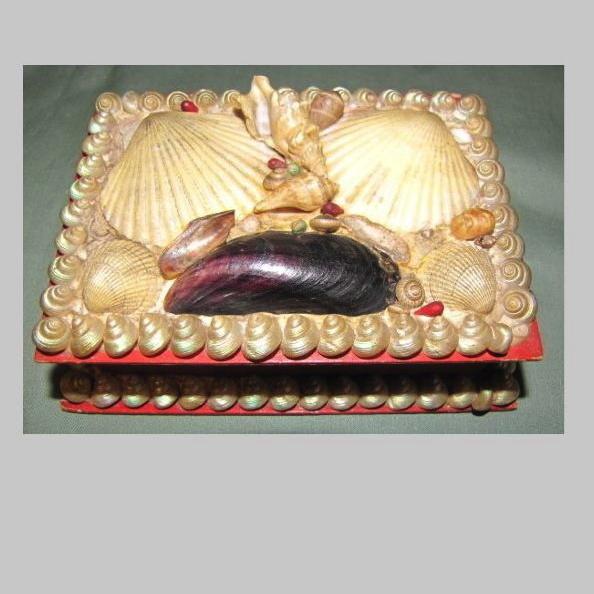 Lovely Victorian Shell Box, Sailor's Valentine