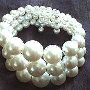 Vintage Graduated Imitation Pearl Memory Wire Bracelet