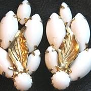 Vintage Weiss clip on earrings