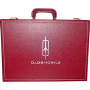 Oldsmobile ~ New Car Training Kit Case ~ 1964