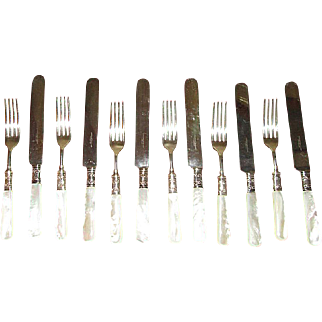 12-Piece Cutlery Set with Mother-of-Pearl Handles