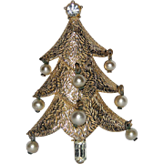 VERY RARE Castlecliff Signed 1952 Dangling Pearl & Baguette Christmas Tree Pin ~ Book Piece