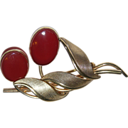 A&Z 1950's Carnelian & 12K Gold Filled Floral Brooch