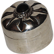 Taxco 1960's Sterling Silver & Onyx Gemstone Pill / Trinket Box
