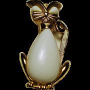 Vintage Trifari White Milk Glass Kitty Cat Brooch