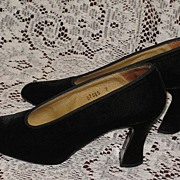 Gently Used Black Velvet Kenneth Cole Chunky Heeled Pumps-Size 7