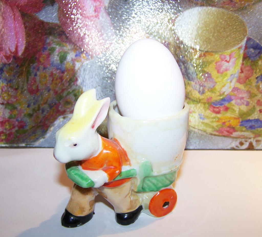 MIJ Hand Painted Bunny Rabbit Pulling Cart Cache Pot / Egg Cup