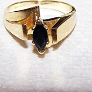 14 Kt Yellow Gold Blue Sapphire Ring Sz 6.75