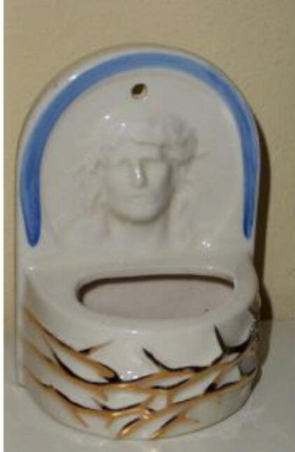 Vintage Pottery USA  Water Font Stamped USA 401