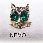 Nemo Signed Kitty Cat Pin With Large Green Rhinestone Eyes