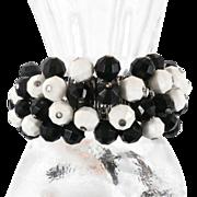 Black White Beaded Expandable Bracelet - Vintage Fun Cha-Cha Piece - InVintageHeaven
