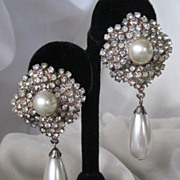 Beautiful Vintage Rhinestones & Pearls Earrings