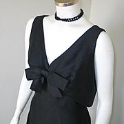 Vintage 1960s Modern Sculpted Black Suzy Perette Cocktail Dress LBD  M