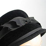 Vintage 1960s Modern Black Winter Bucket Hat with Bow Front