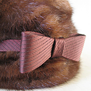 Vintage 1960s G. Howard Hodge Jr. American Designer Fur Pillbox Hat with Quilted Crown & Bow
