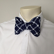 Vintage 1970s Huge Fat Bow Tie of Navy and White Woven Plaid