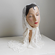 Vintage 1960s Creamy White Lace Scarf Mantilla
