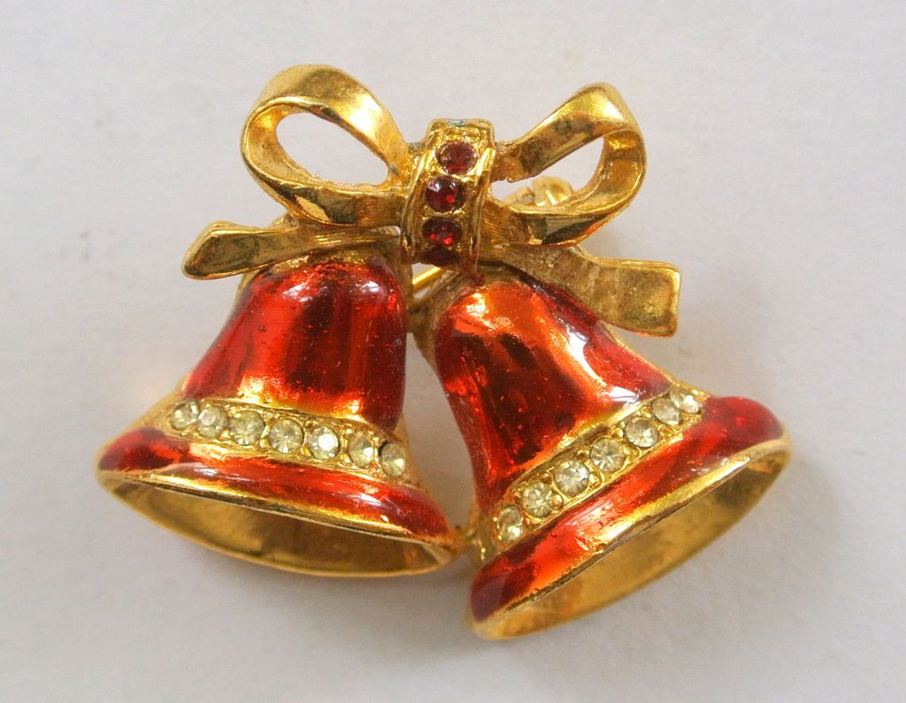 Vintage red christmas bells brooch pin from vintageobjects